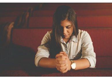 Mulheres Metodistas orando pela nossa pátria amada Brasil